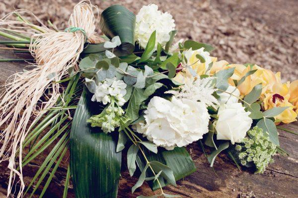 classic-sheaf-funeral-sympathy-flowers-essex