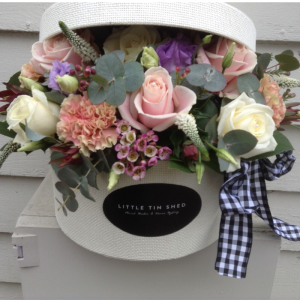 hat-box-flower-arranging-workshop-essex