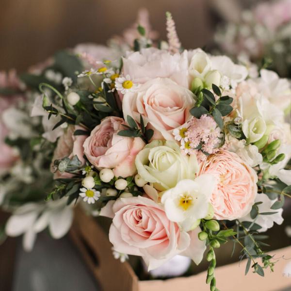 flower arranging using floral foam
