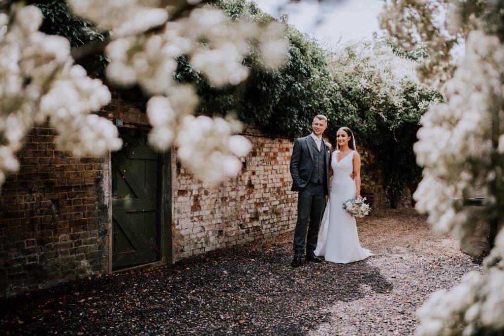 Little-Tin-Shed-Bride-bouquet-Wedding-Flowers-Essex-thatamazingplace
